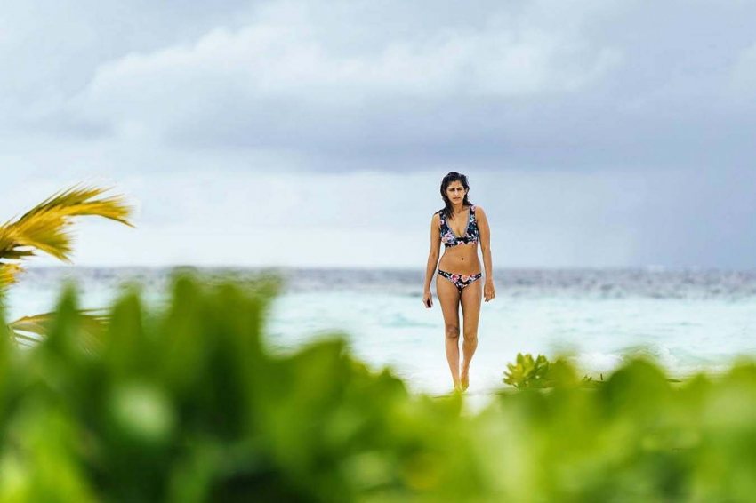 Kubra Sait Vacation Pictures From Maldives Goes Viral Photos