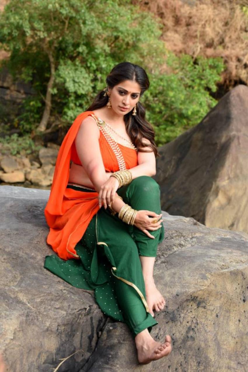 Naga Kanya Photos