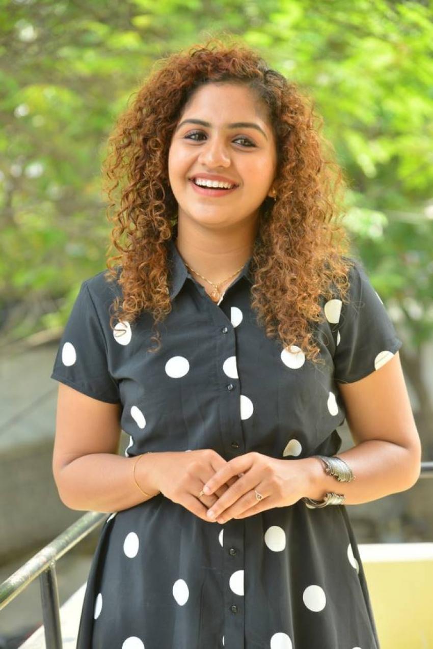 Noorin Shereef Photos