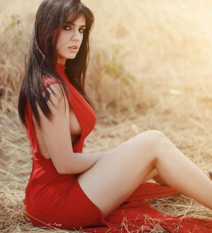Siddhika Sharma Photos