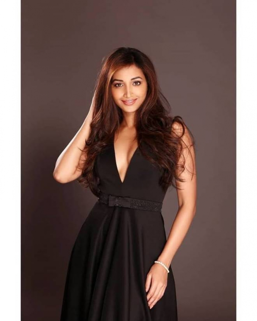 Srinidhi Shetty Photos [HD]: Latest Images, Pictures, Stills