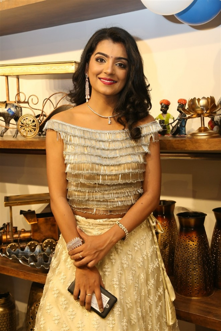 Actress Nitya Shetty Inaugurates Aarna Collections At Sanikpuri Photos
