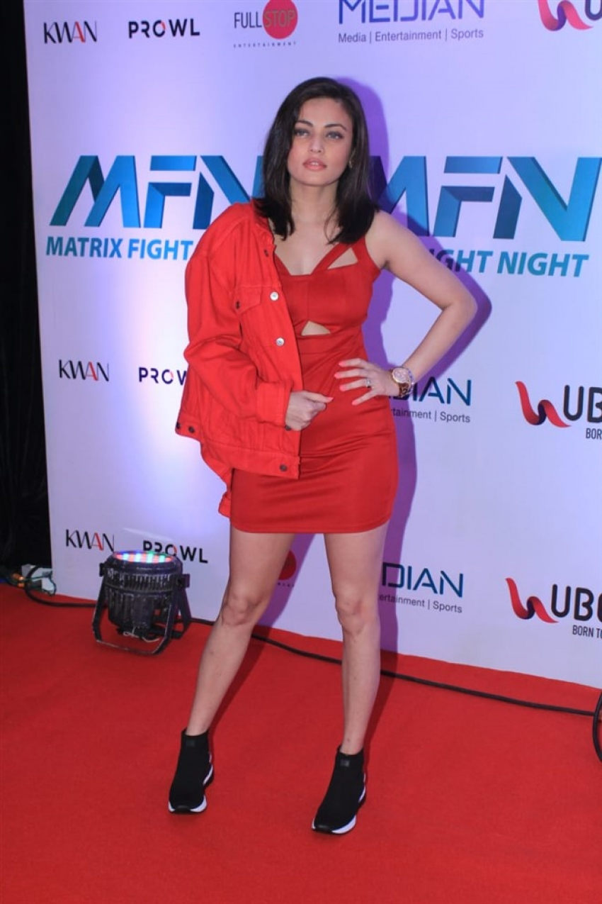 Celebs On The Red Carpet Of Matrix Fight Night Photos