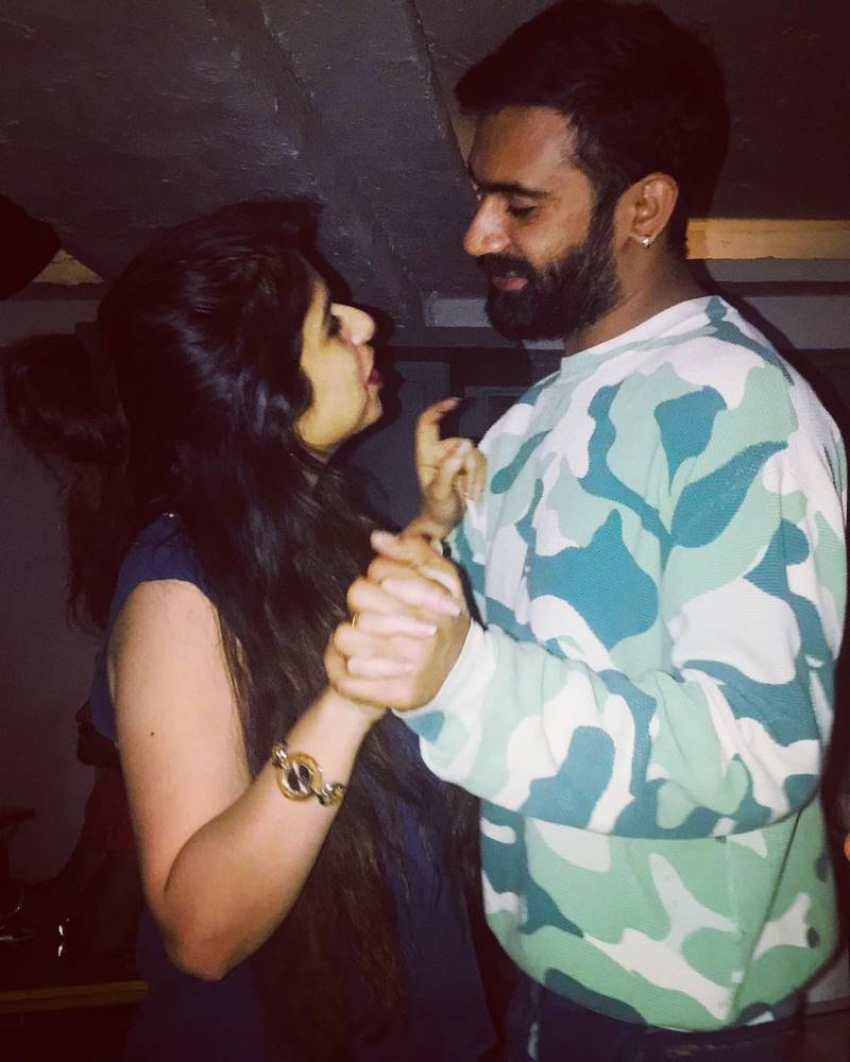 Kannada Actor Loose Maada Yogesh And Sahitya Romantic Photos