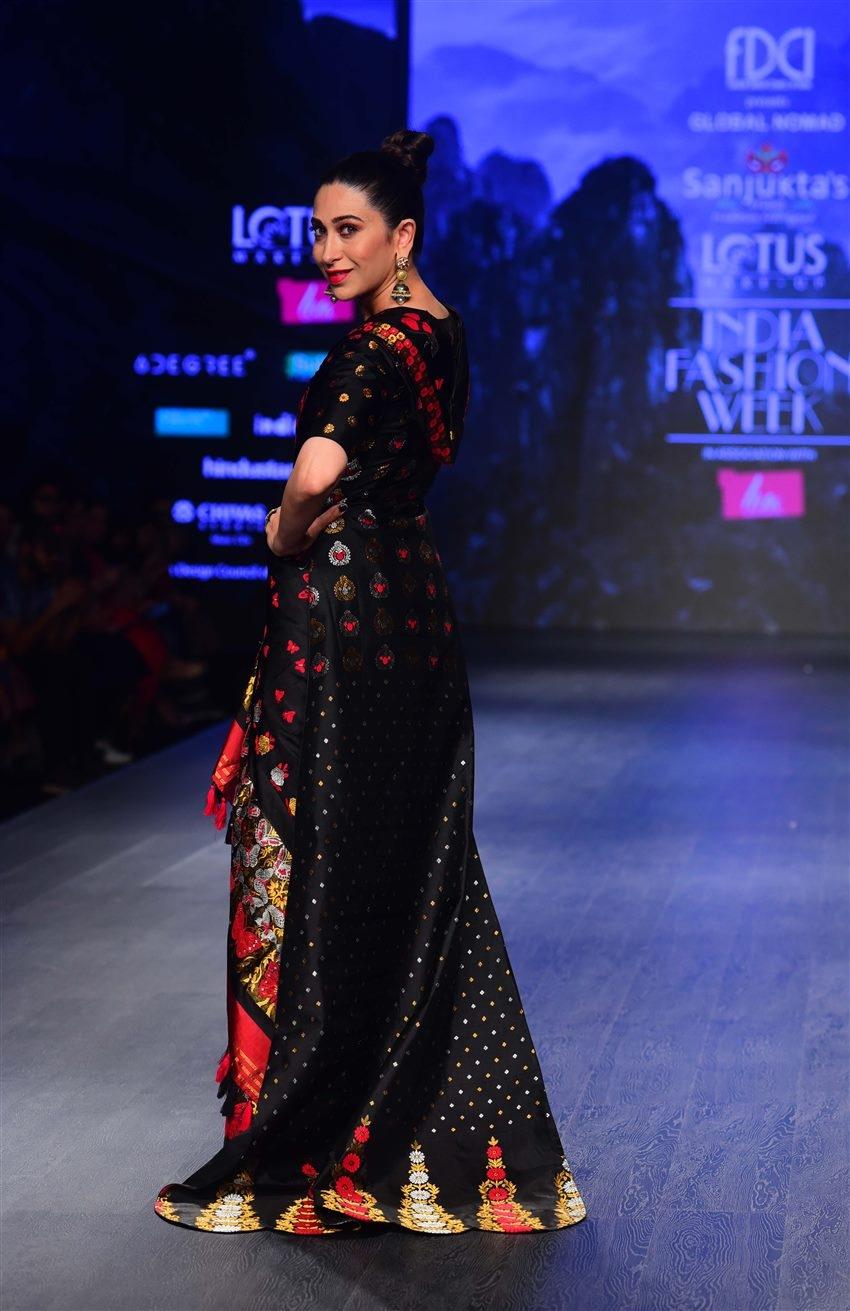 Karishma Kapoor Ramp Walk For Designer Sanjukta India Fashion Week 2019 Photos