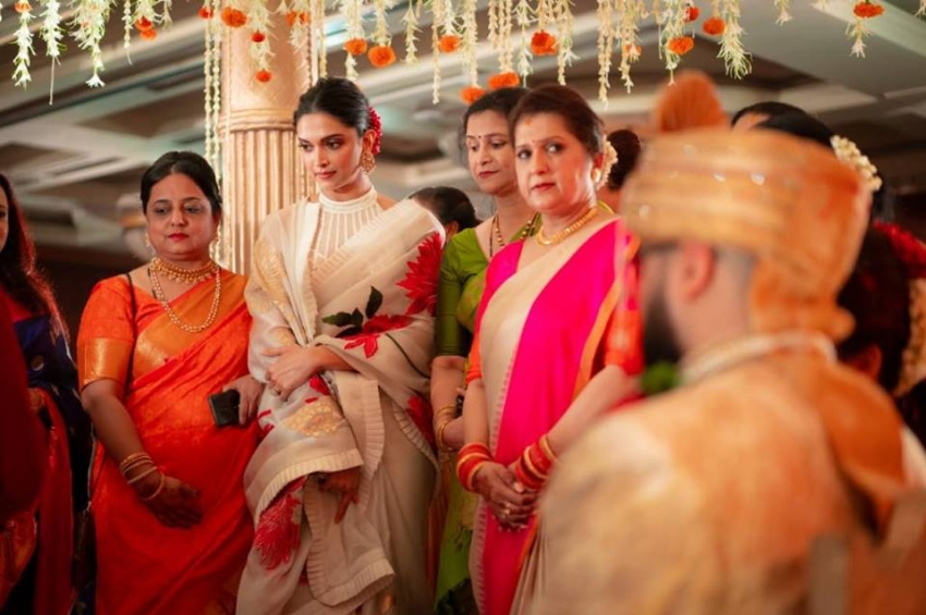Deepika Padukone And Ranveer Singh At Wedding In Mumbai Photos