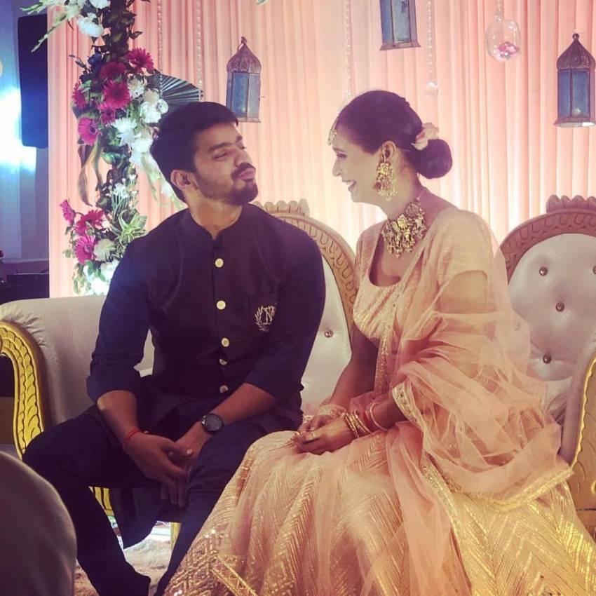Femina Miss India Earth 2012 Prachi Mishra Gets Engaged Photos