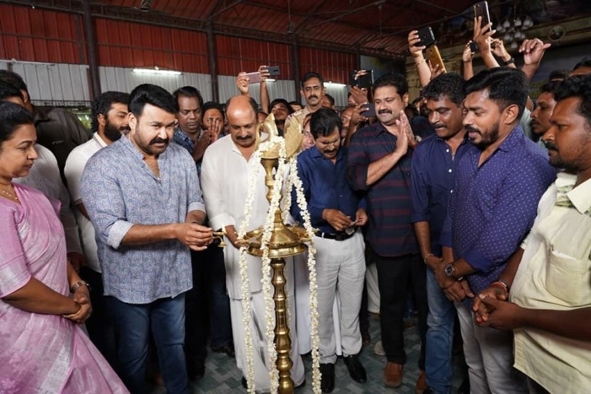 Ittimani Movie Pooja Photos