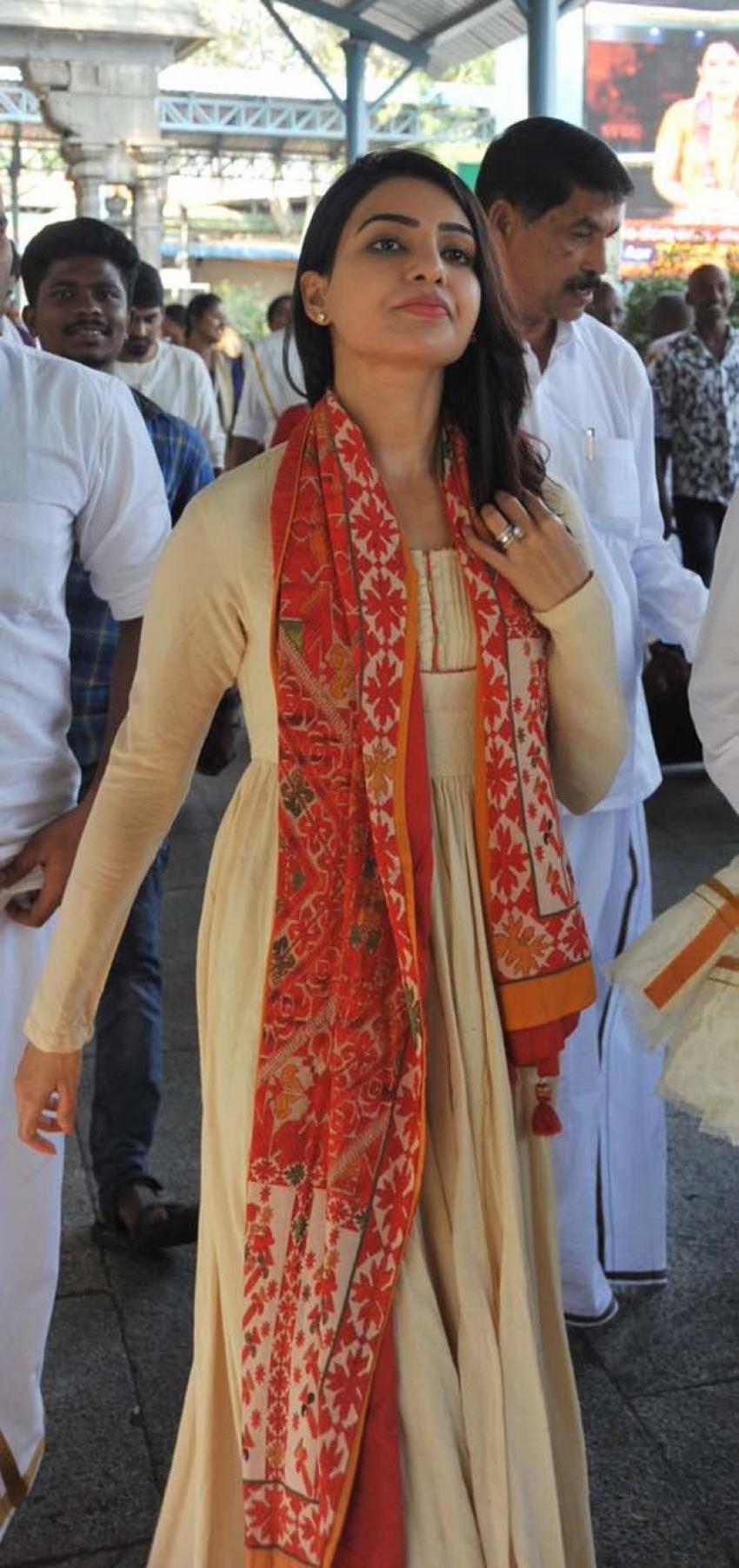 Samantha & Naga Chaitanya Visit Tirumala Temple Photos