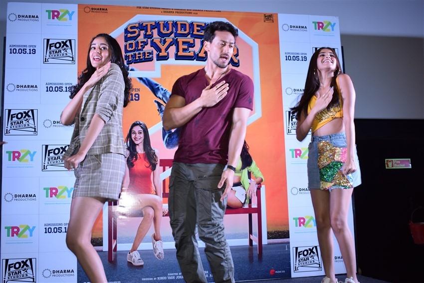 Tiger Shroff, Ananya Pndey and Tara Sutaria Promote Student of the Year 2 In Ahmedabad Photos