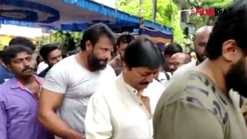 Celebs Pay Last Respect To Master Hirannaiah Photos