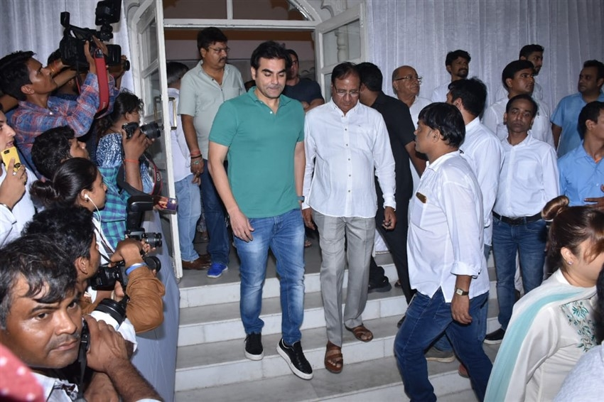 Celebs at Veeru Devgan Prayer Meet Photos