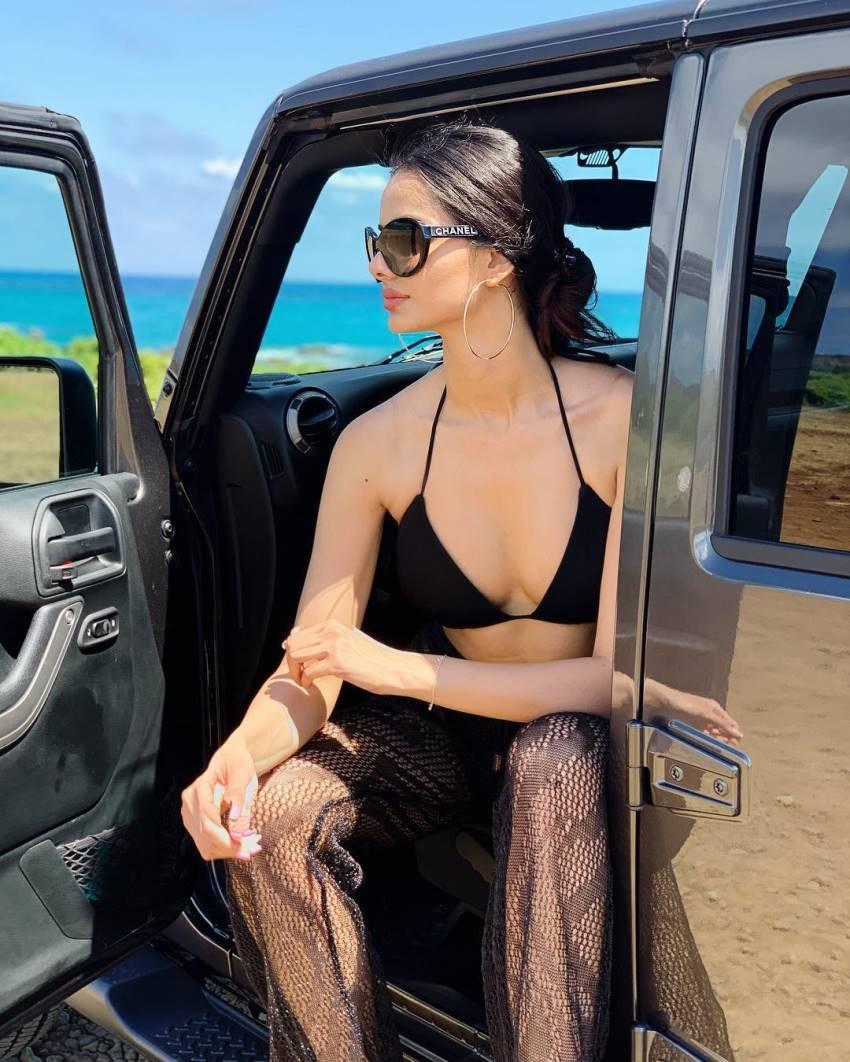 Iranian Model Mahlagha Jaberi Looks Same as Aishwarya Rai Photos