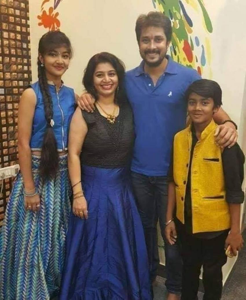 Kannada Actors And Their Family Photos