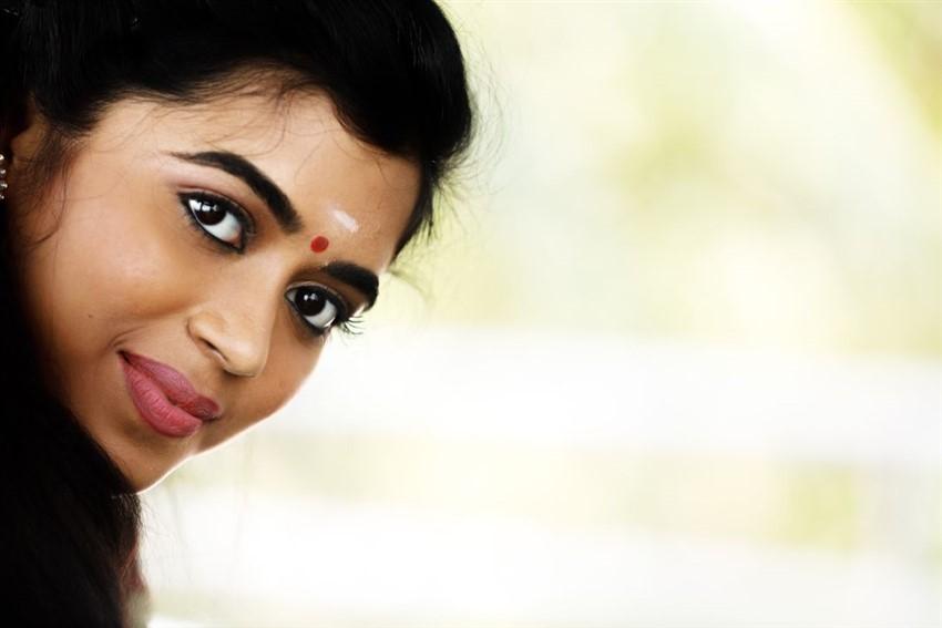 Lovelyn Chandrasekhar Photos