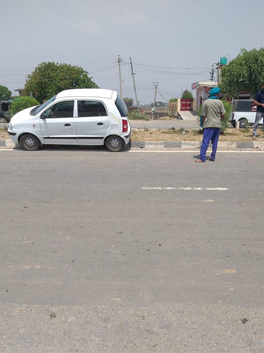 Sunny Deol Car Meet With An Accident Photos