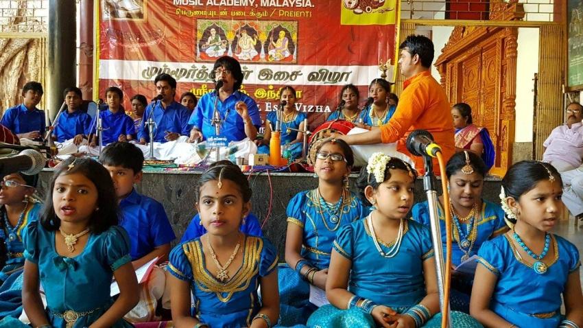 Bigg Boss Season 3 Contestant Singer Mohan Vaidya Unseen Photos