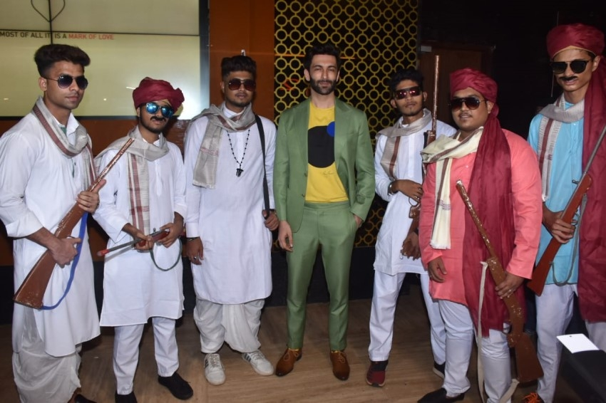 Celebs at trailer launch of the film Family Of Thakurganj Photos