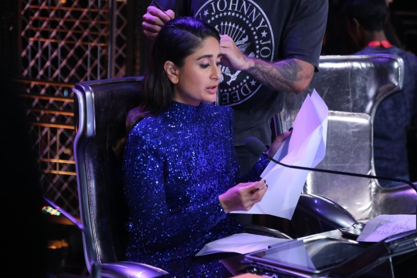 Kareena Kapoor snapped on the sets of Dance India Dance Photos