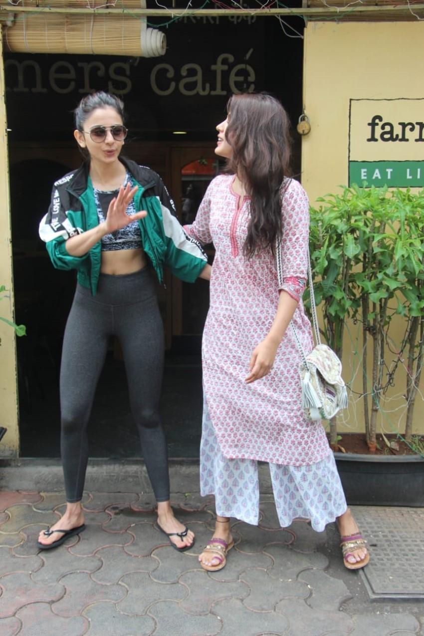 Rakul Preet Singh and Rhea Chakraborty snapped at Farmer's Cafe in Bandra Photos