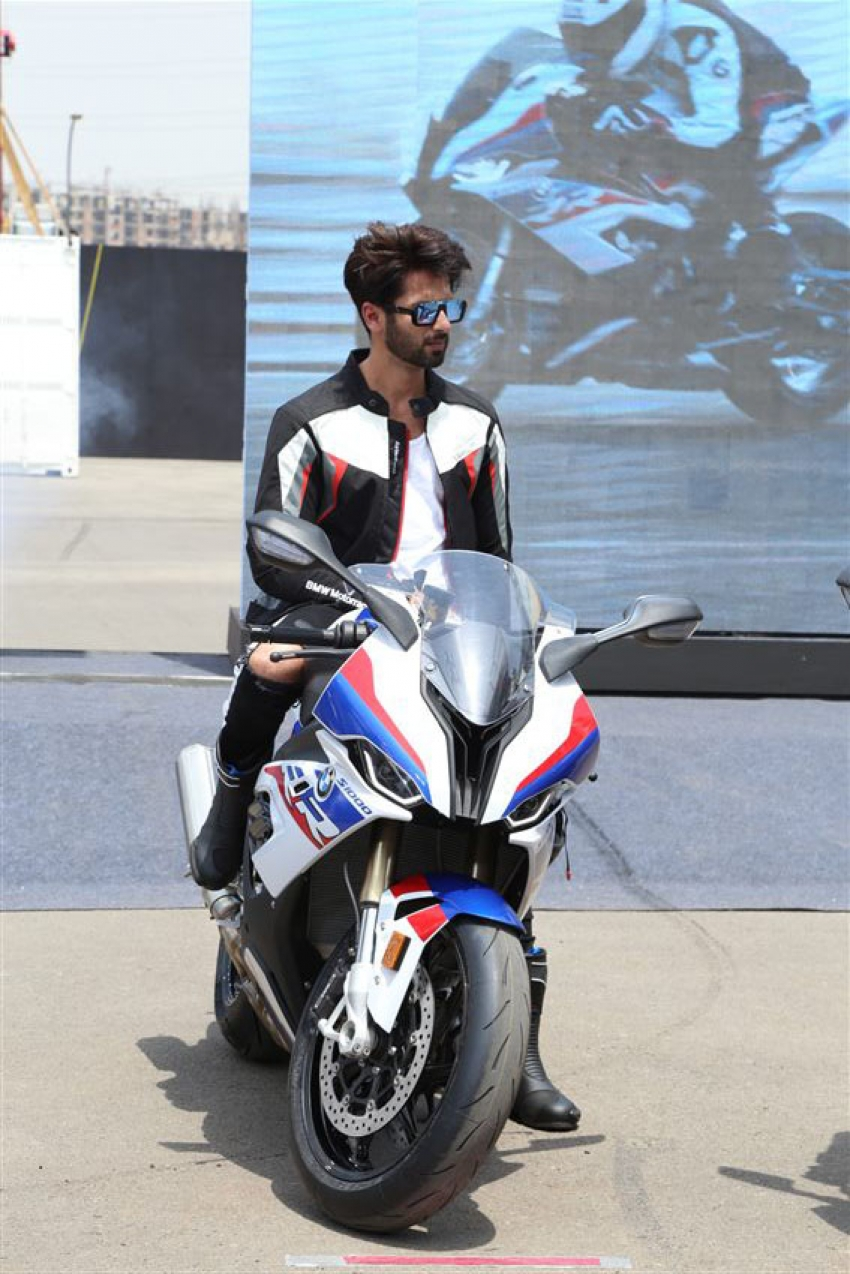 Shahid Kapoor At Launch Of BMW Bike 1000 SR 1000 In New Delhi Photos