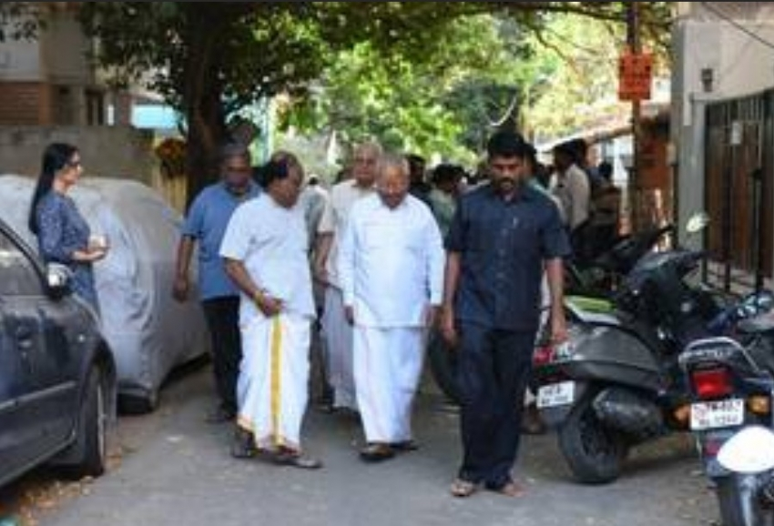 Celebs Pay Last Respect To Crazy Mohan Photos