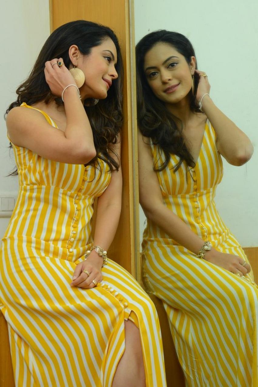Anya Singh Photos