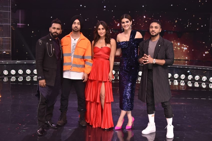 Diljit Dosanjh and Kriti Sanon Promote 'Arjun Patiala' on sets of Dance India Dance Photos