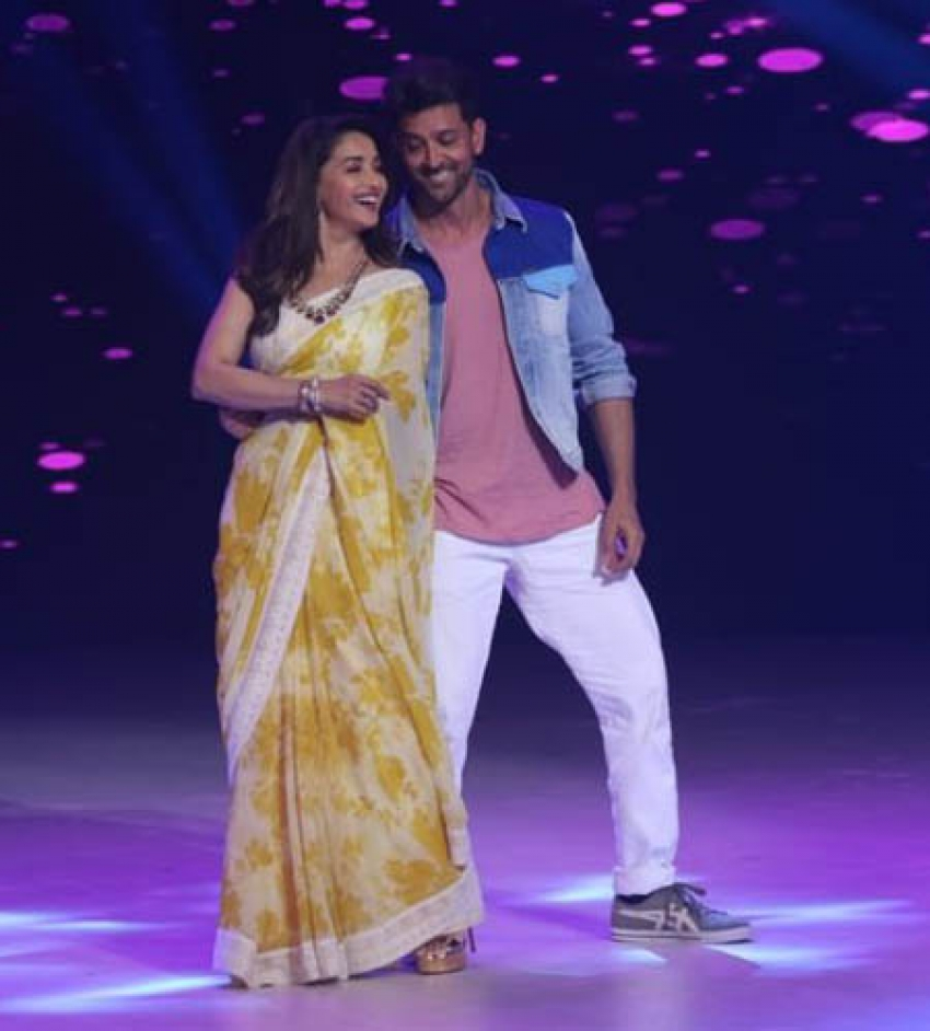 Hrithik Roshan With Madhuri Dixit On Dance Show To Promote Super 30 Photos