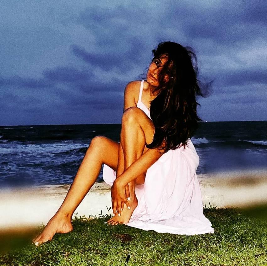IPL Host Shonali Nagrani Glamorous Photos