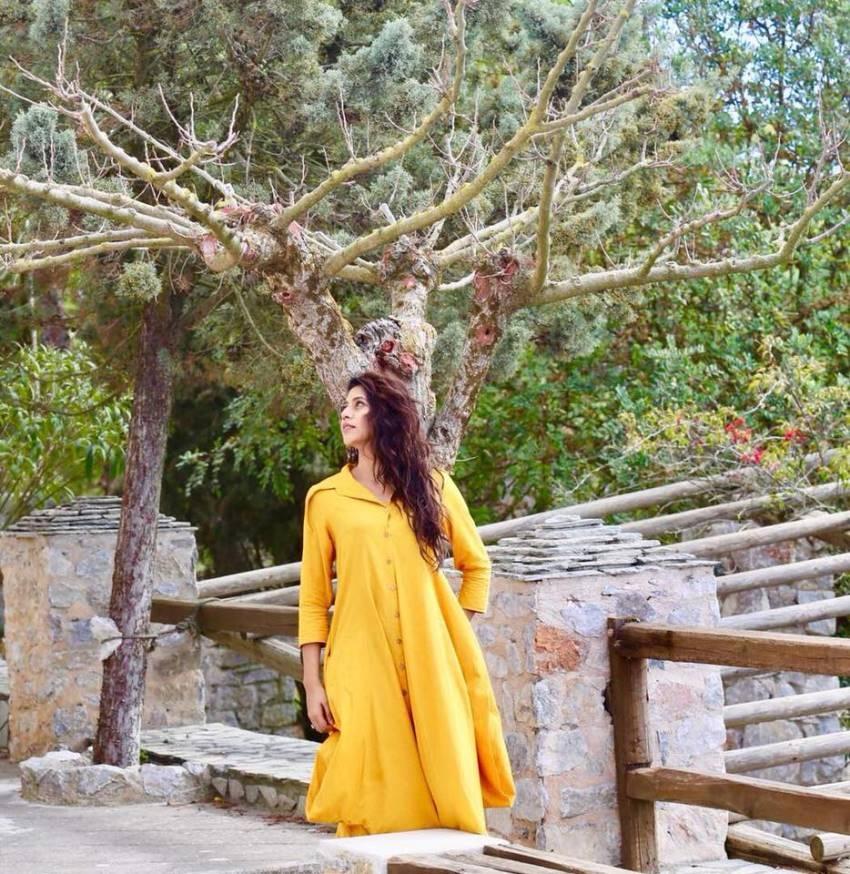 Karuna Dogra Photos