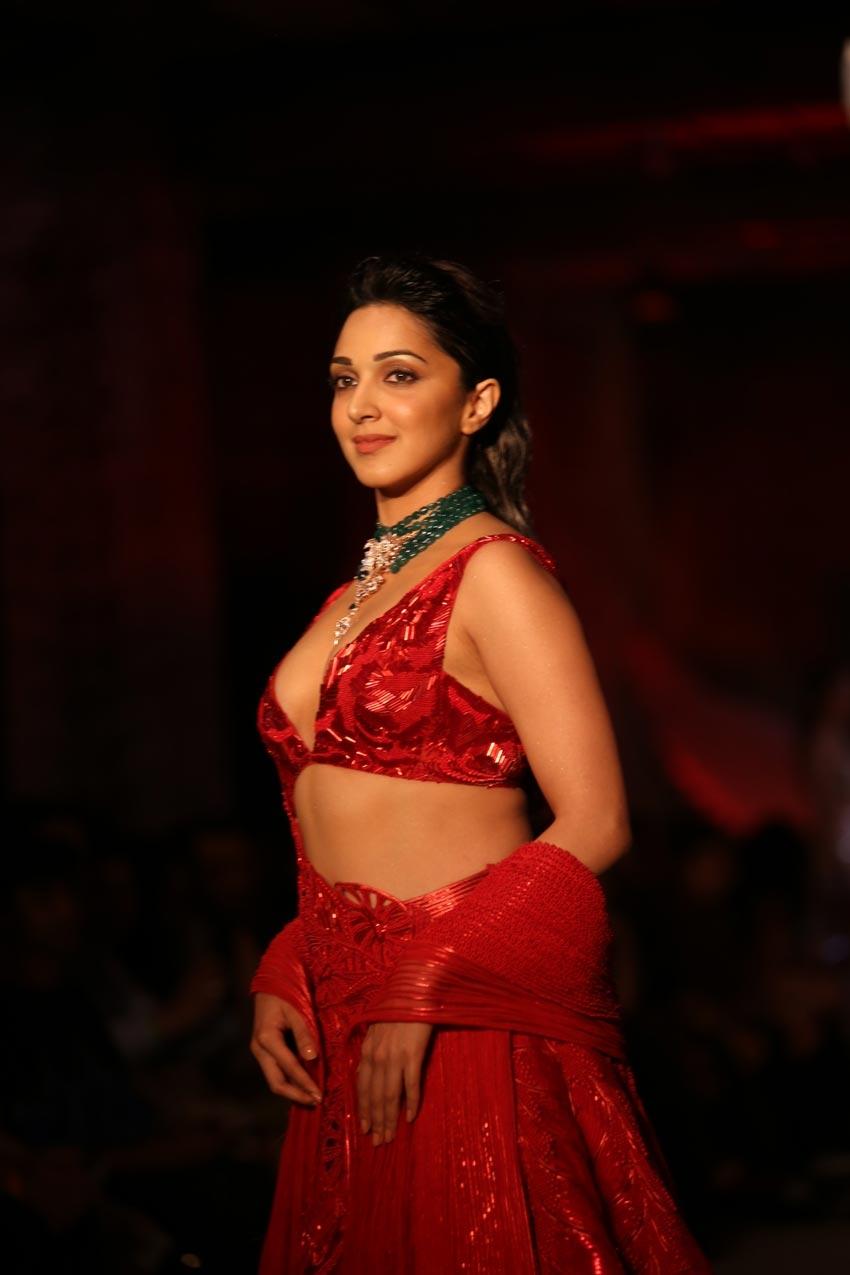Kiara Advani Walked Ramp At India Couture Week 2019 Photos