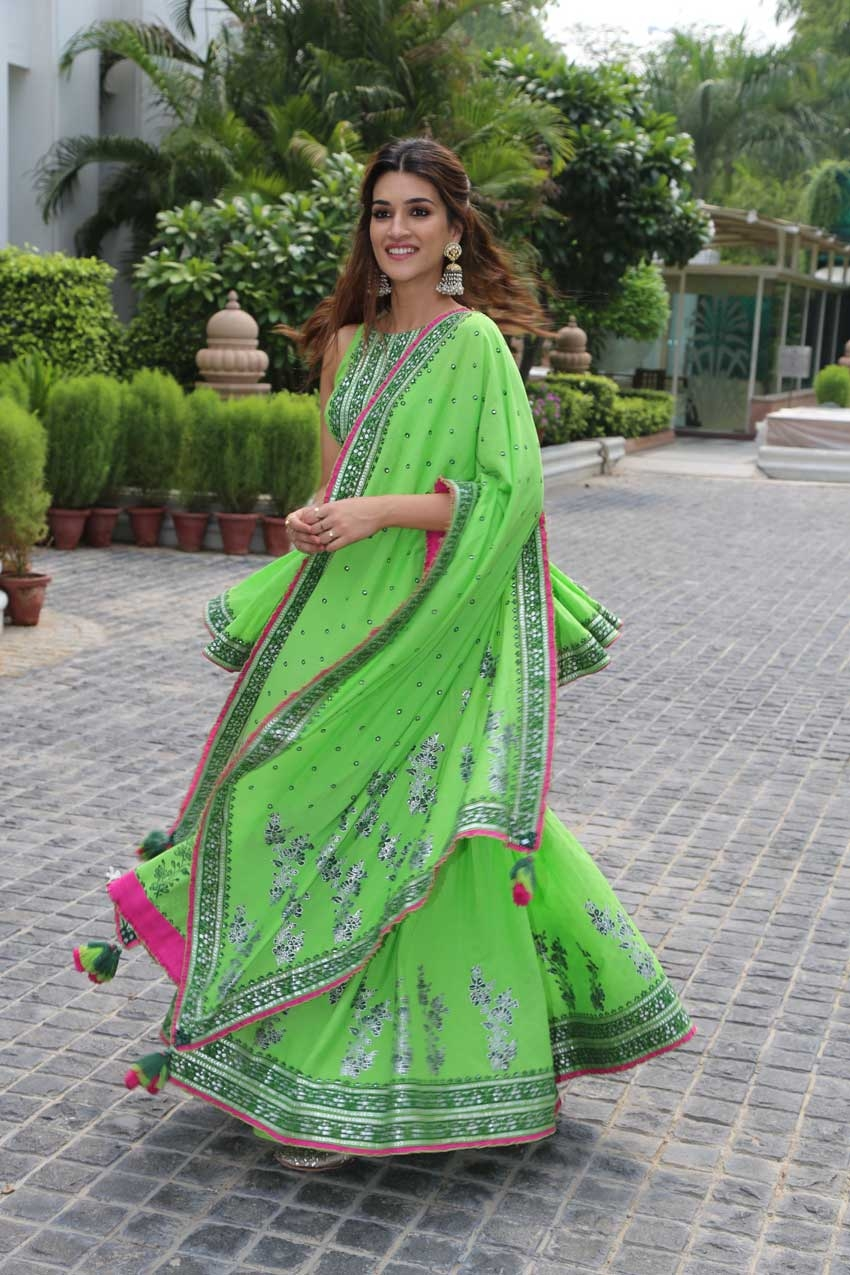 Kriti Sanon, Diljit Dosanjh & Varun Sharma snapped promoting their film 'Arjun Patiala' in New Delhi Photos