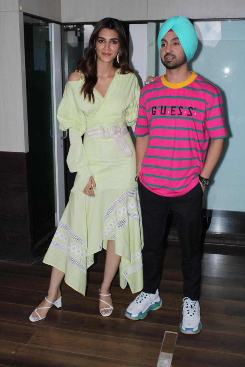 Kriti Sanon and Diljit Dosanjh Promotes Arjun Patiala in Mumbai Photos