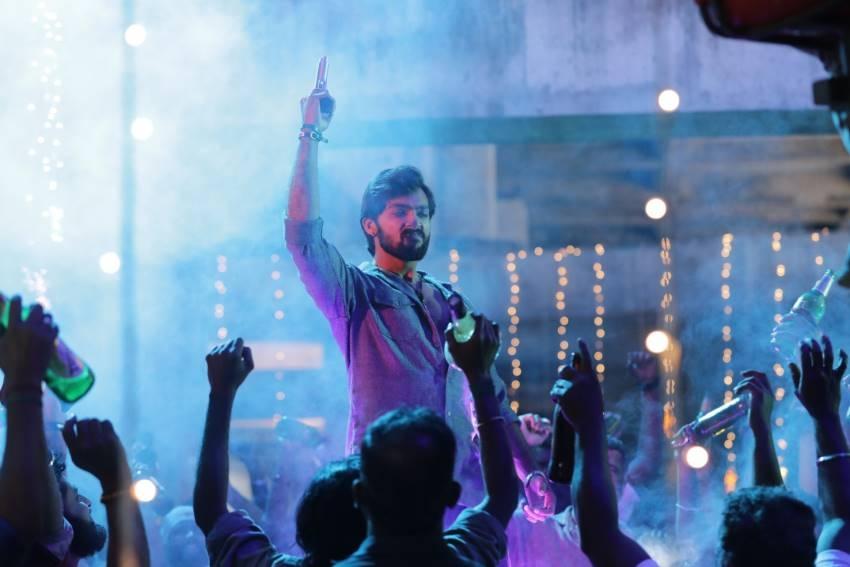 Market Raja MBBS Photos