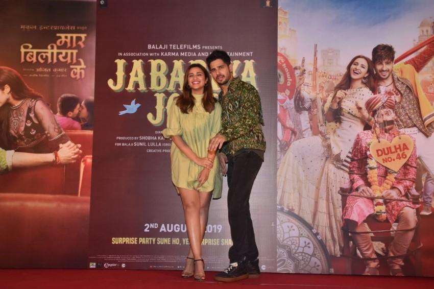 Sidharth Malhotra and Parineeti Chopra at the launch of the song 'Zilla Hilela' from their film Jabariya Jodi Photos