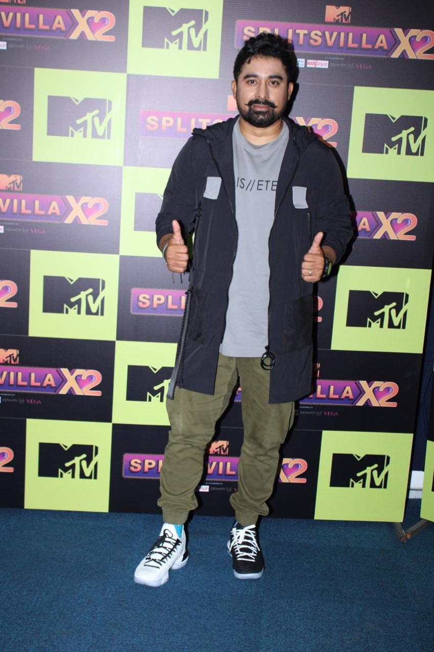 Sunny Leone and Rannvijay Singh at the launch of Splitsvilla X2 Photos