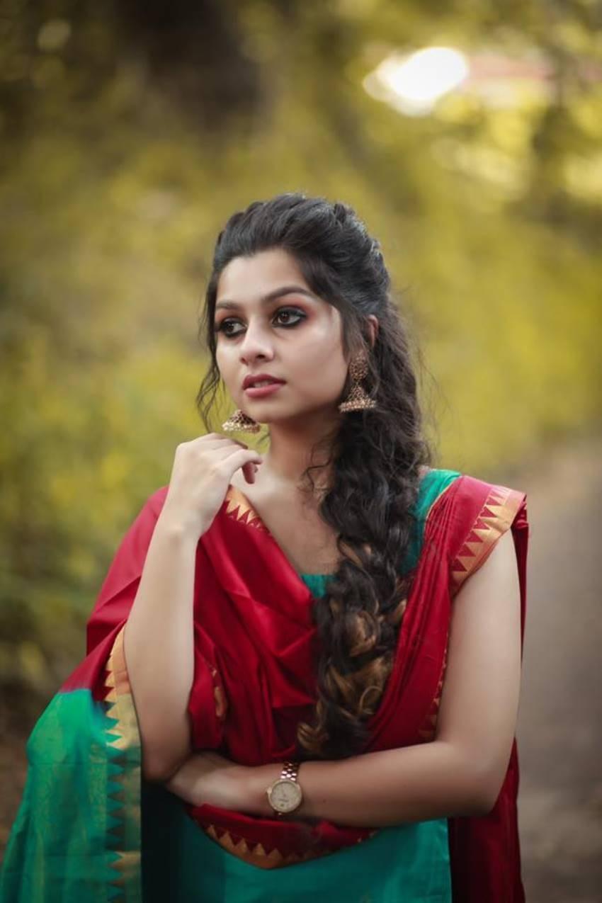 Niranjana Anoop Photos