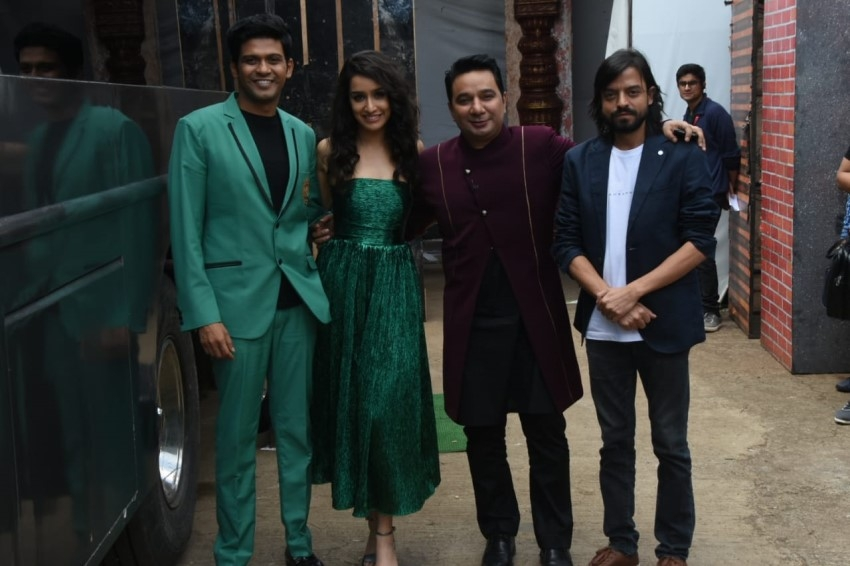 Shraddha Kapoor & Varun Sharma Promote 'Chhichhore' On The Sets Of Nach Baliye 9 Photos