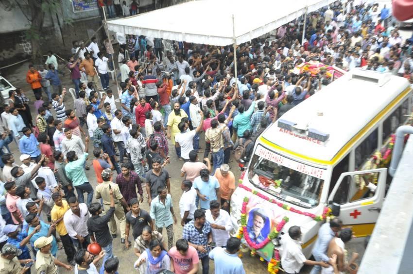Celebs Pay Last Respect To Venu Madhav Photos