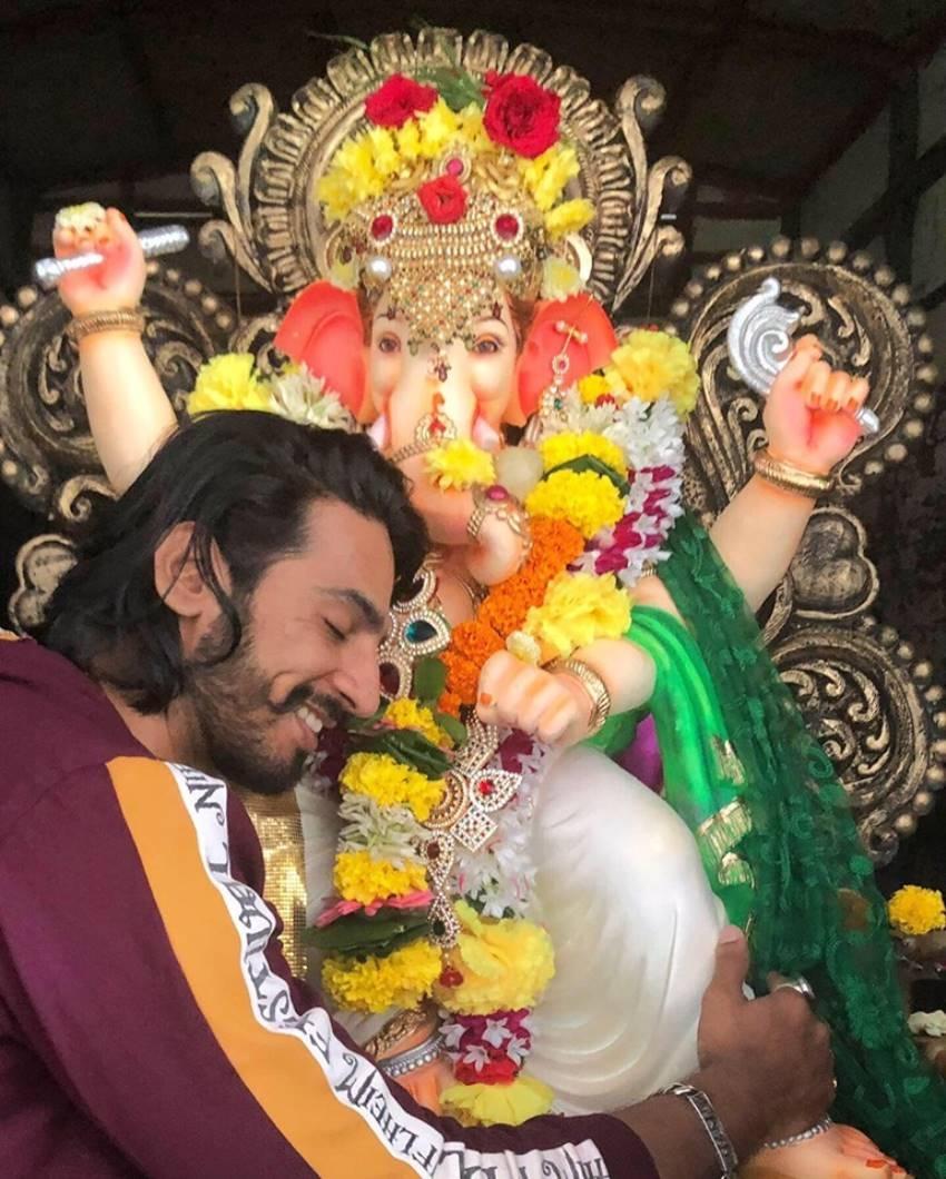 Indian actor Thakur Anoop Singh Family&Rare Unseen Photos