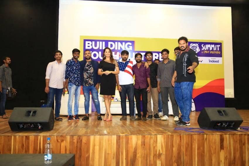 Meeku Mathrame Cheptha Movie Team at CMR College Photos