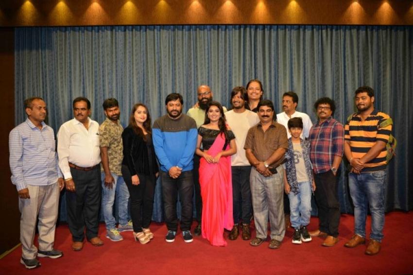 Naane Raja Photos