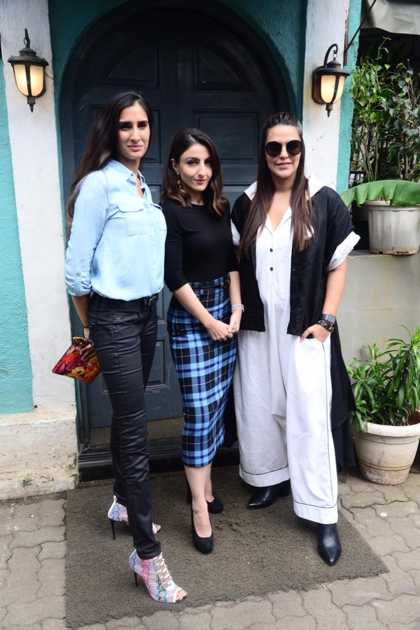 Neha Dhupia with Soha Ali Khan & Pragya Yadav Kapoor to promote her new initiative #FreedomToFeed Photos