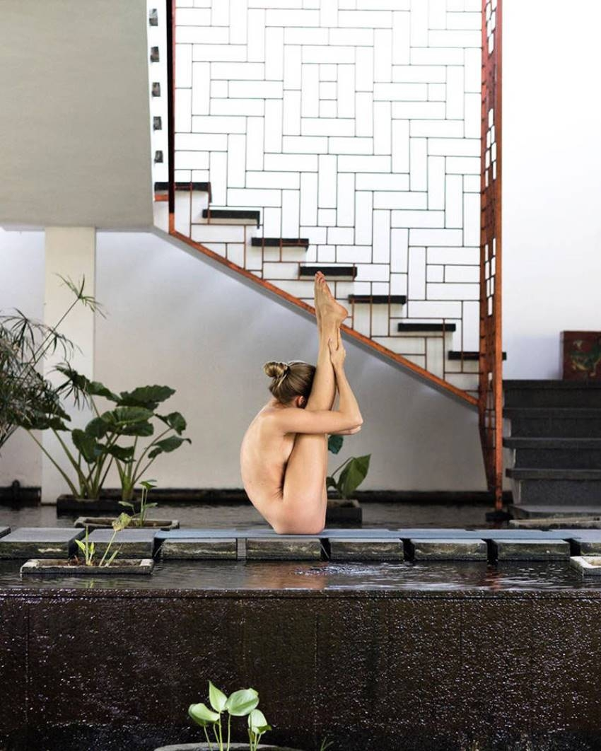 Nude Yoga Girl Goes Viral On Internet Photos