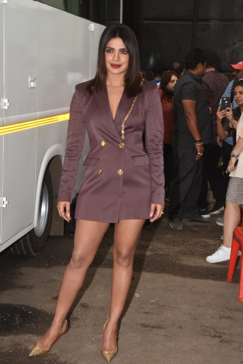 Priyanka Chopra and Farhan Akhtar Promote 'The Sky Is Pink' on the sets of Dance India Dance Photos