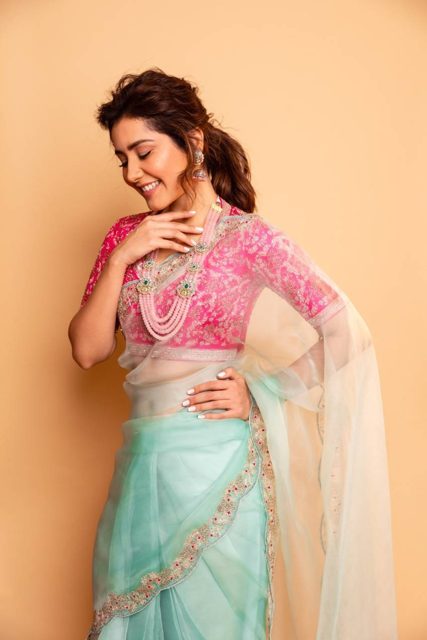 Rashi Khanna Photos