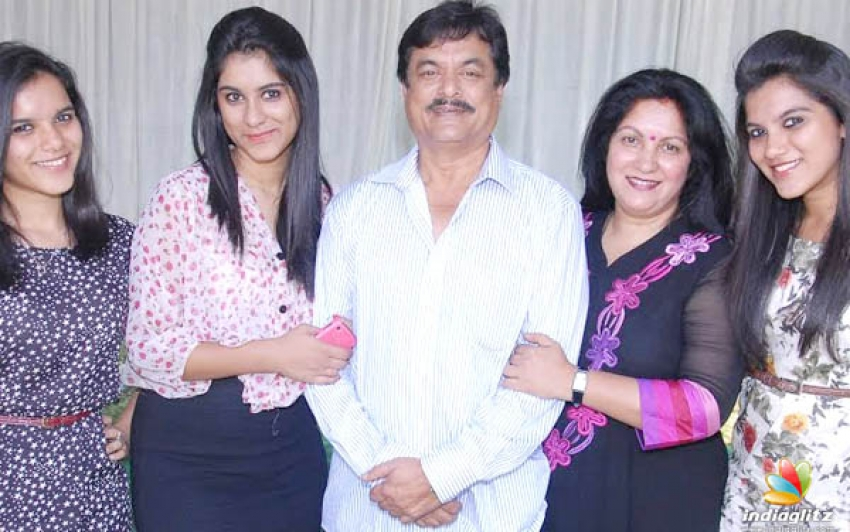 Sandalwood Actors With Their Daughter Photos