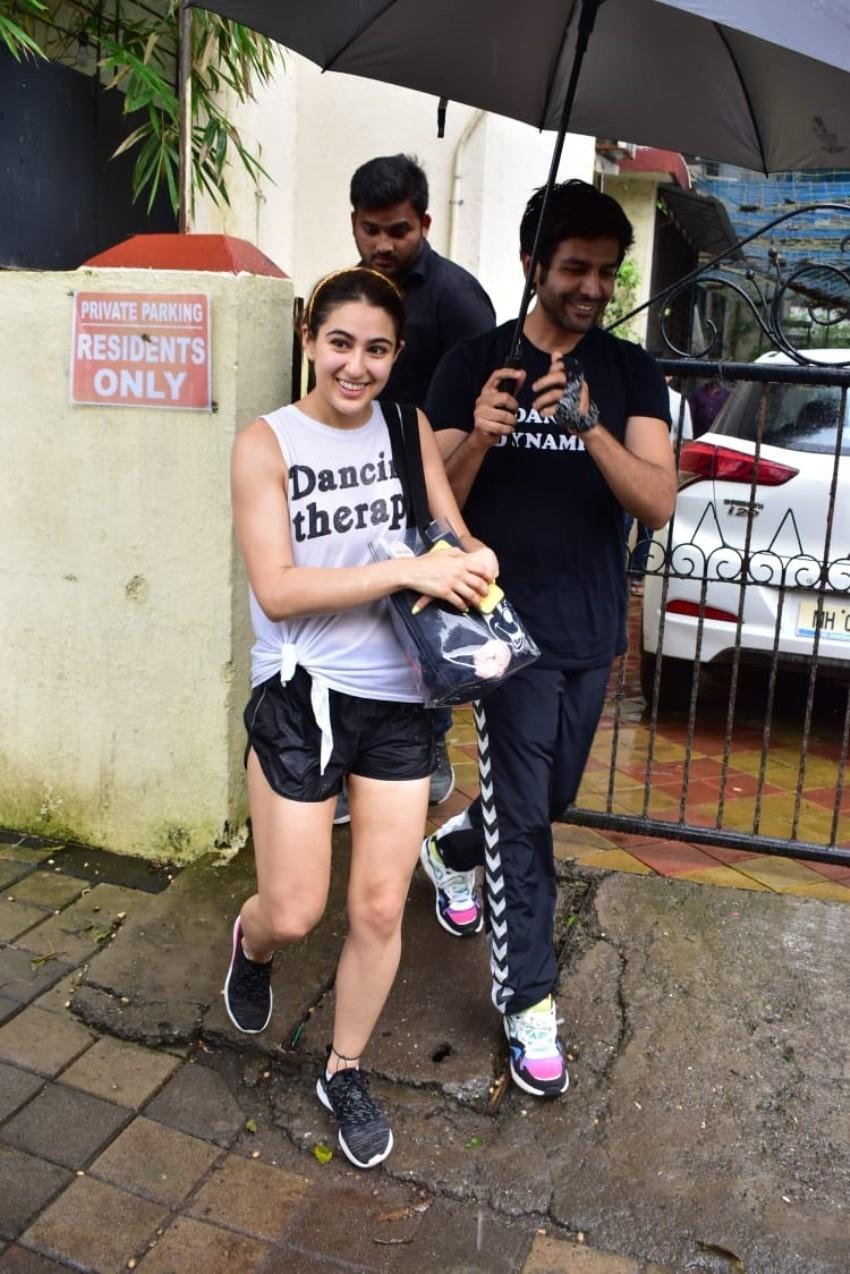 Sara Ali Khan & Kartik Aaryan Spotted Together At Dance Class Photos