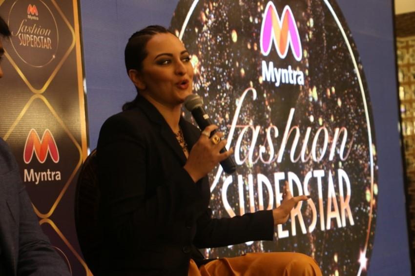 Sonakshi Sinha Launch First Myntra Reality Store In Mumbai Photos